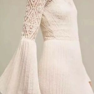 Anthropologie Dresses - Anthro Floreat Serena Bell Sleeve Dress